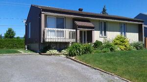 Maison à louer, quartier résidentiel, Beauport