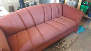 Beautiful sturdy couch for sale West Island Greater Montréal image 2