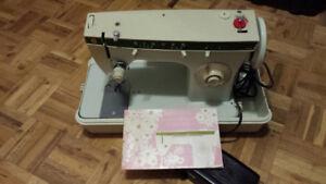 Singer Zig-Zag Sewing Machine/Model 242
