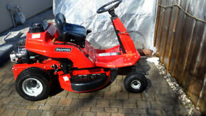Snapper usa made ride  mower,  like new 28 inch