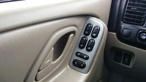 2006 Mazda Tribute Alloy wheels Auto 164,000km Safety/E-tested! Kitchener / Waterloo Kitchener Area image 9