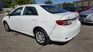 2013 Toyota Corolla CE Sedan - SUNROOF/BLUETOOTH/HTD SEATS! Kitchener / Waterloo Kitchener Area image 3