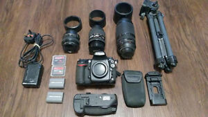 PRO DSLR CAMERA NIKON D 700 3 LENSES AND MORE
