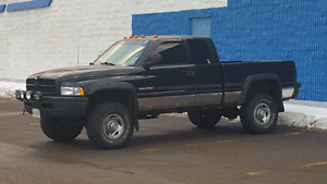 2001 Dodge Ram 2500 Cummins 5 speed