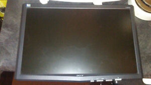 acer 19'' monitor with few screws missing