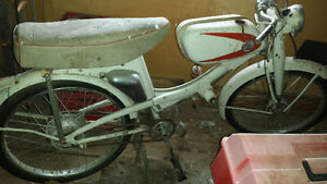 ANTIQUE/CLASSIC RALEIGH TOURING MOPED