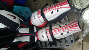 NIKE Hockey equipment (shin pads, shoulder pads and pants)