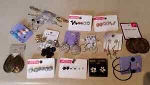 Earings (Brand New) with purple jewellery box