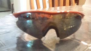 Oakley sunglasses excellent condition no scratches detachable ru