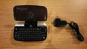 Logitech dinovo mini wireless multimedia keyboard/touchpad