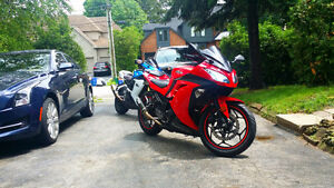 2013 NINJA 300 // LOW KMS // RARE RED COLOUR // NEW TIRES