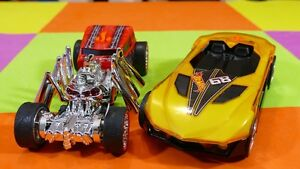 Hot Wheels Street Creeper and Yur So Fast - Light and sound
