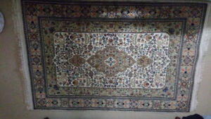 "Persian Style Area Rug (4'4""x 6'5).  In Excellent Condition."