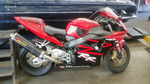 2002 Honda CBR 954RR ONLY 7000KMS!