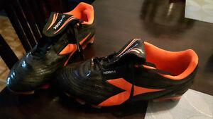 Men's size 7 Diadora soccer cleats