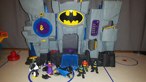 Batman cave with accessories