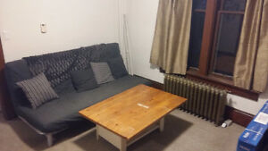Winter Sublet - 21 Avondale Ave South (2/4 rooms) Kitchener / Waterloo Kitchener Area image 2