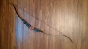 2 Recurve Bows + Accessories