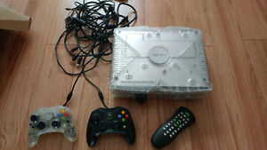 XBox with 2 controllers and wires. Incl. 36 top Games.