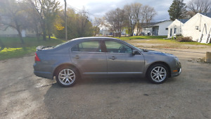 2012 Ford Fusion Sel LOW KMS SAFETIED