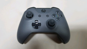 Xbox One Console Exclusive Storm Grey controller