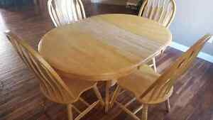 Table and 4 chairs 180 obo