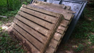 Fence sections . FREE
