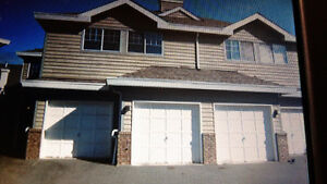 '3BR Townhouse in heart of Richmond BC (General Currie Road)