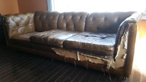 MCM tufted couch