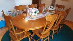 Solid Oak Dining Table, 8 Chairs, Buffet, Hutch & Sideboard
