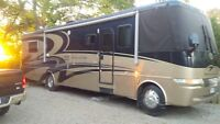 2004 Newmar Mountainaire low km great shape