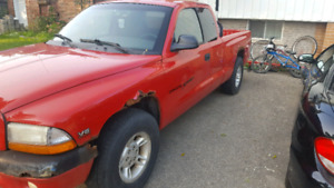 2000 Dodge Dakota 2wd 6cyl 140000klm $600