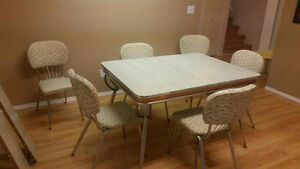 RETRO... beautiful kitchen table and chairs.Penticton