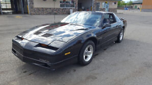1988 Pontiac Trans Am Coupe (2 door)