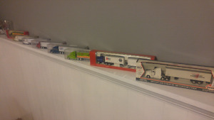 HO scale trucks, trailers and containers