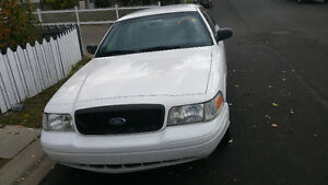 2006 Ford Crown Victoria p71 ex police Sedan