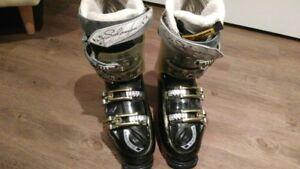 Botte de ski Salomon pour femme a vendre