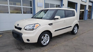 2011 Kia Soul 2U Sedan 5SPD MANUAL ONLY 92000KMS