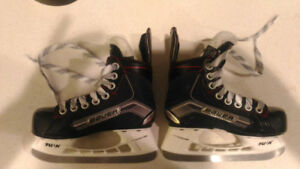 Size 11 youth skates only 2 months old