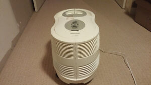 Humidifier Honewell 9 gallon QuietCare