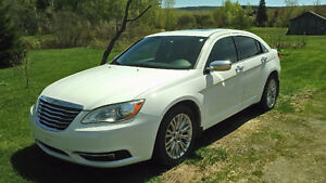 2011 Chrysler 200- limited 6 cyl,cuir
