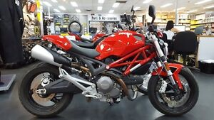 2011 Ducati Monster 696