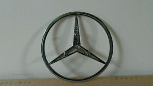 Mercedes Benz Trunk Star Bolt on Emblem London Ontario image 2