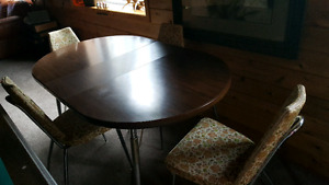 Retro Kitchen Table and 4 Chairs