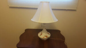 Vintage table and lamp!!