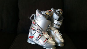 Ladies' Nordica Ski Boots size 27.0 (about 8.5 US)