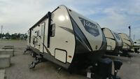 2018 Crossroads RV Volante 32SB *BUNK MODEL, OUTDOOR KITCHEN* London Ontario Preview