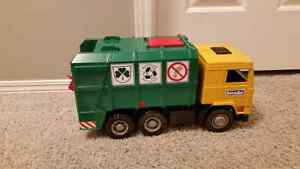 Bruder recycle truck and bin