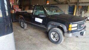 1997 GMC Sierra 2500 Pickup Truck