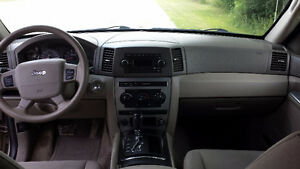 2006 Jeep Grand Cherokee 4X4 V6 SAFETY & E-TESTED London Ontario image 9